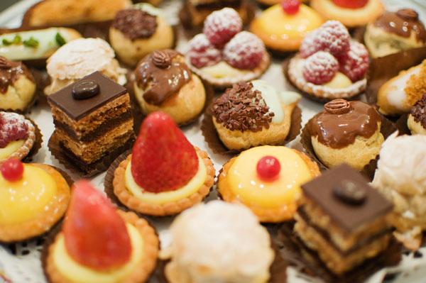 Plateau de mini-pâtisseries