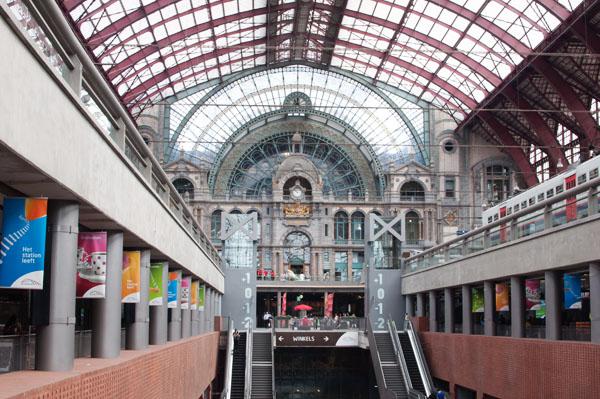 Intérieur de la Gare de Anvers