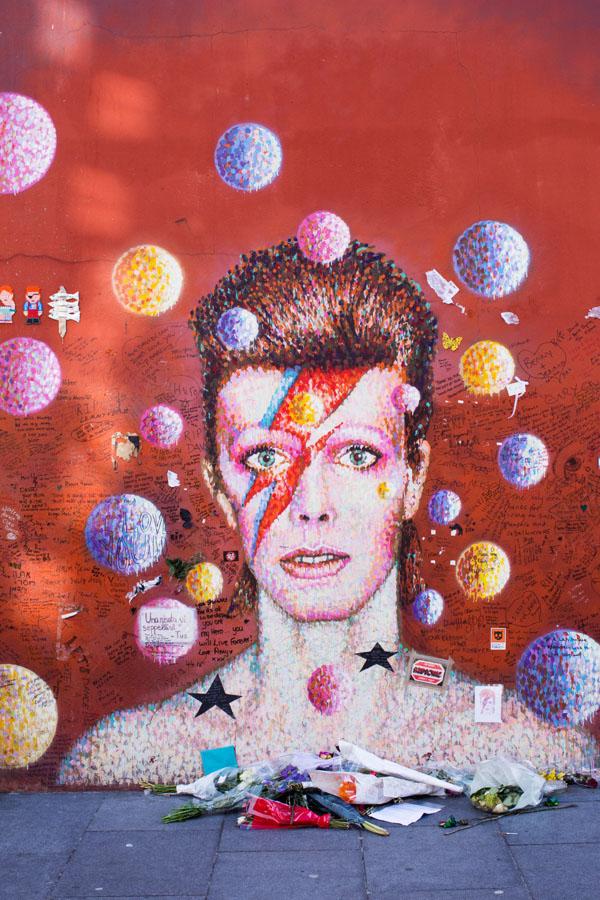 RIP David Bowie à Brixton
