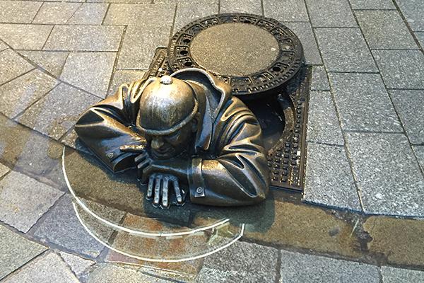 Statue de bronze à Bratislava