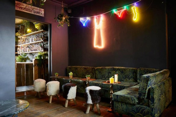 Artist Residence hotel bar Brighton