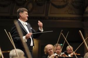 Christian Thielemann am Pult der Dresdner Staatskapelle. Foto: Matthias Creutziger