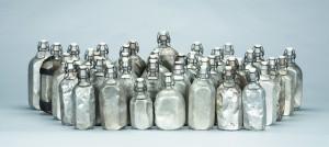 Weißblech-Trinkflaschen der Bergleute, um 1970-1981 (© Ruhr Museum, Foto Rainer Rothenberg)