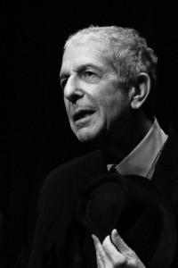 Leonard Cohen bei einem Konzert in Genf, 2008 (Wikipedia Creative Commons, User
