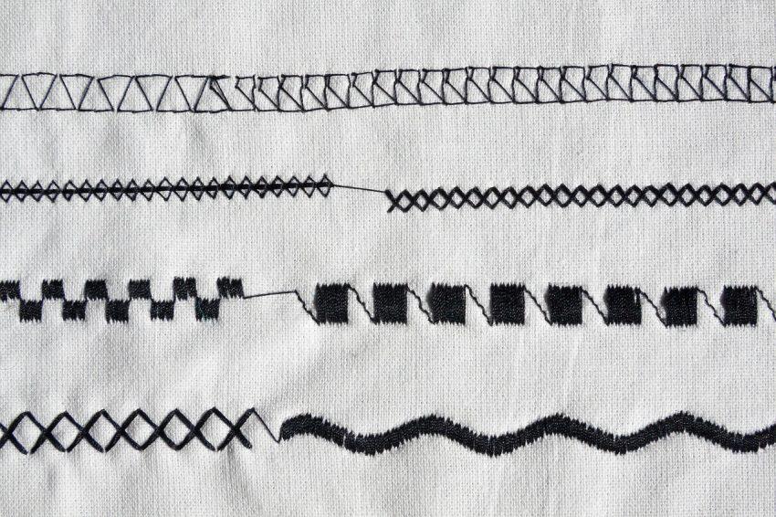 Imagem mostra tecido costurado com diferentes pontos.
