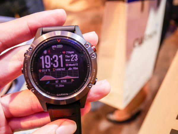 Un orologio GPS in primo piano