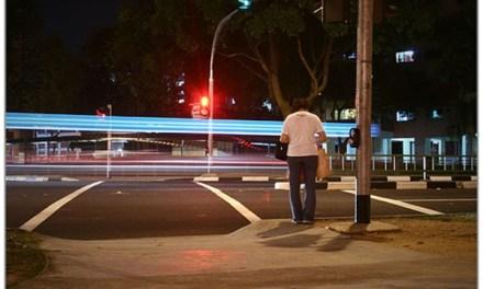 โปรดจงระวัง! ถ้าจะข้ามถนนรอบคูเมืองเชียงใหม่