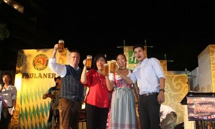 เทศกาลเฉลิมฉลอง Oktoberfest by the river ณ ลานพาวิลเลี่ยน