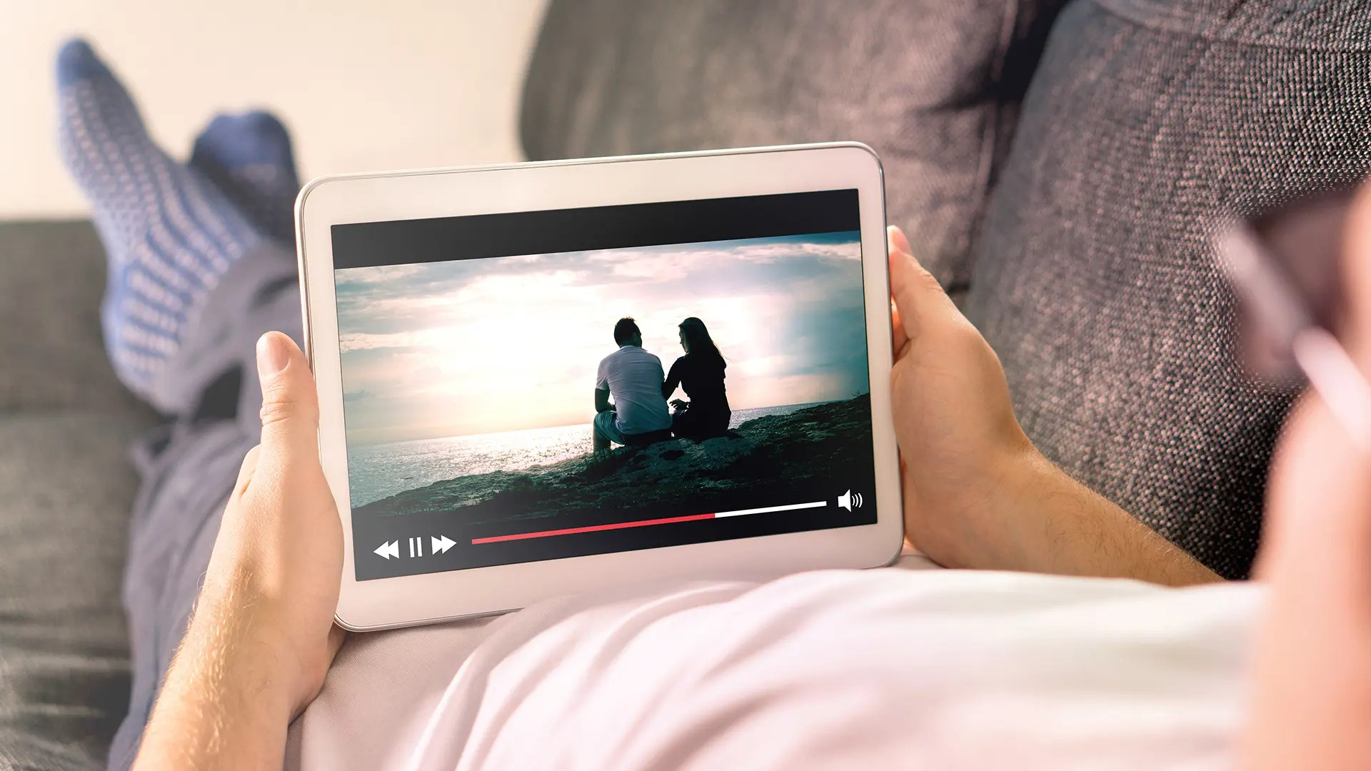 5 Ways To Watch Video With Your Long Distance Friends