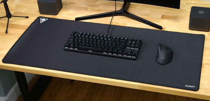The Best Oversized Mouse Pads And Desk Pads Review Geek