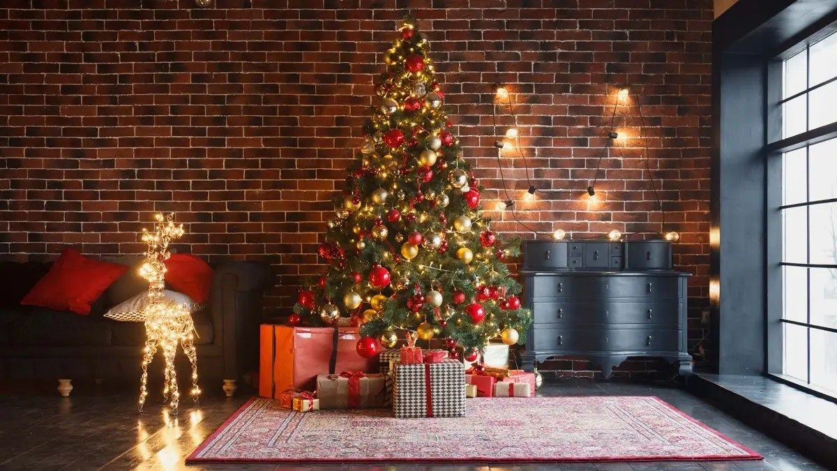 The Best Artificial Christmas Trees You Can Buy For A Perfect Tree Year After Year Review Geek