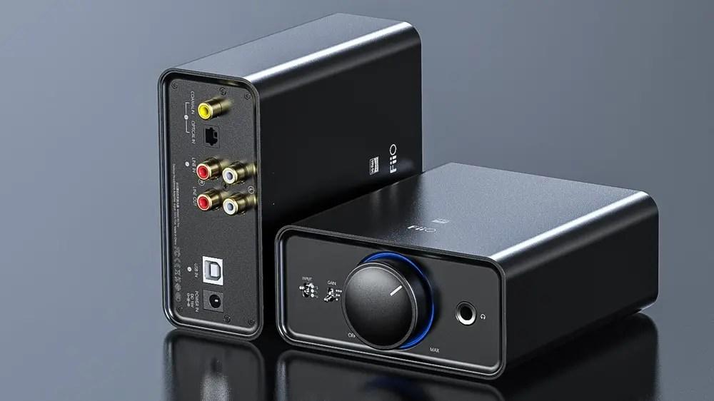 FiiO K5 Pro с USB и аналоговым подключением.