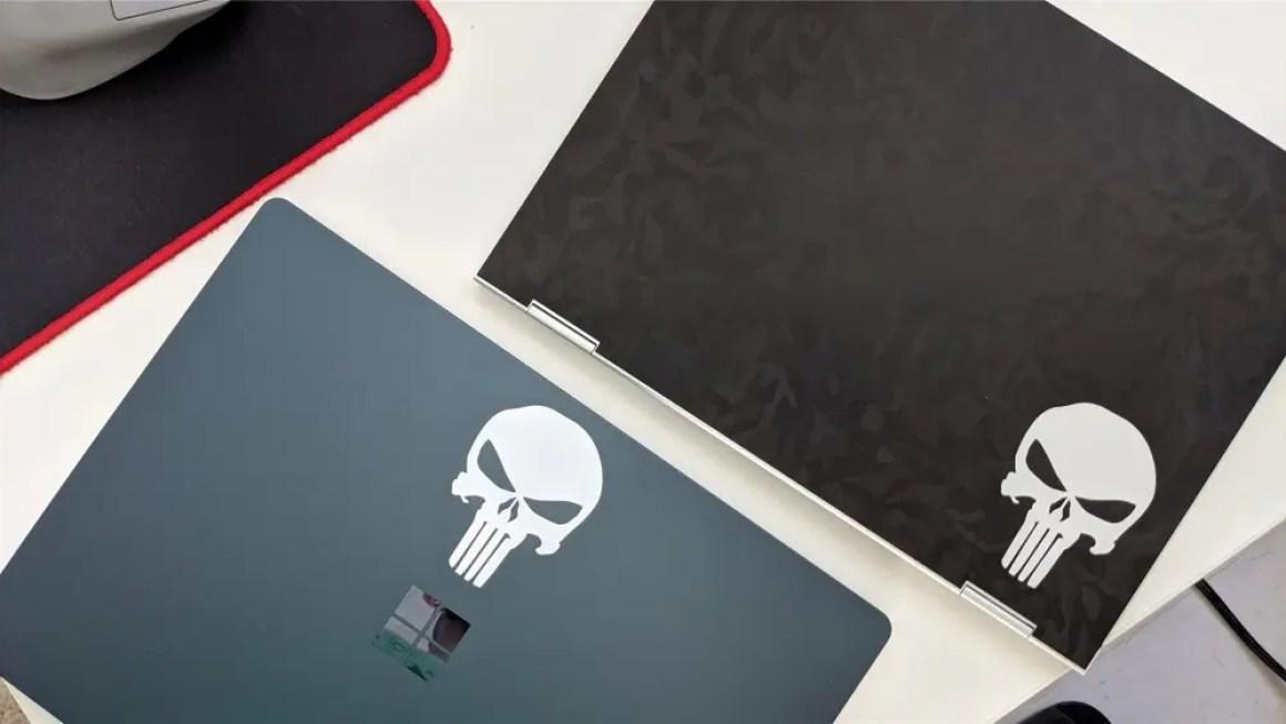 Pixelbook с черной камуфляжной кожей и ноутбуком 3 с наклейками Punisher