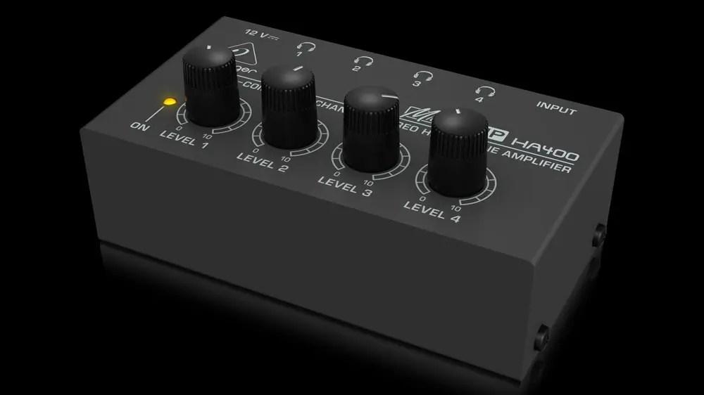 Дешевый и простой Behringer HA400 --- отличный вариант для студийного использования.