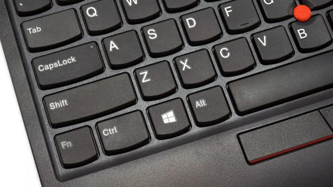 Клавиатура ThinkPad слева кластера.