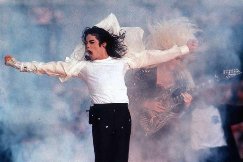 Risultati immagini per Michael jackson live