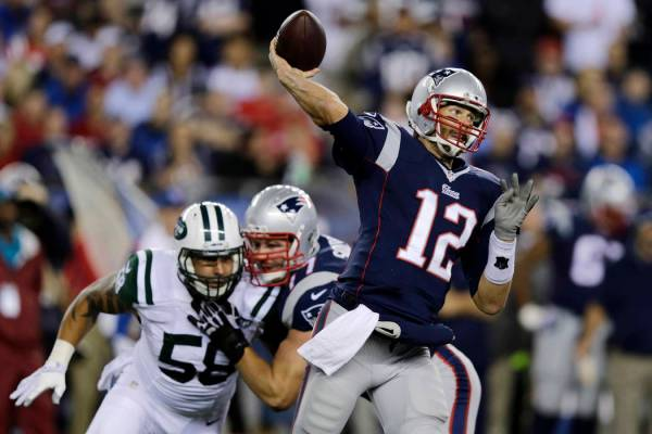 Pros, Joes backing Patriots over Jets on