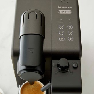 delonghi-nespresso-lattissima-touch-coffee-maker-reviews