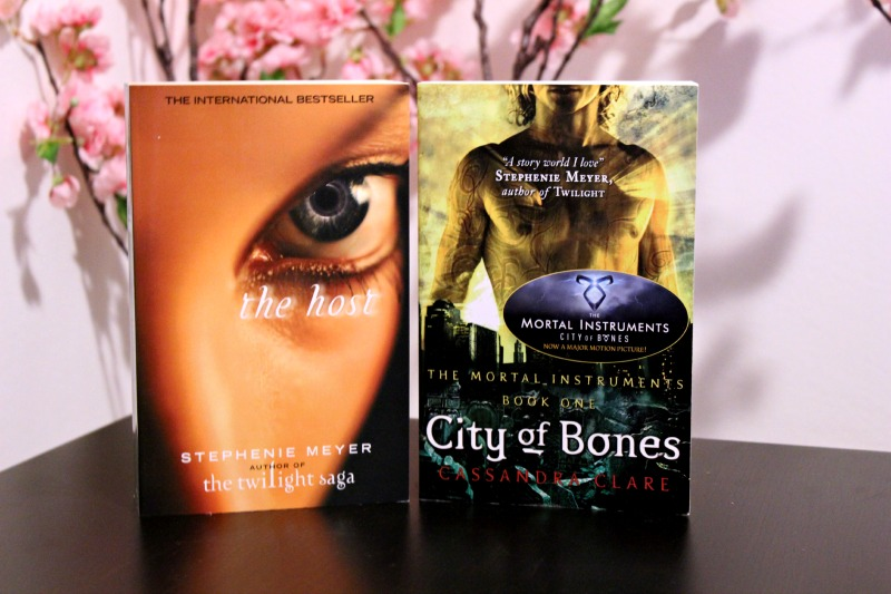 The Host Stephenie Meyer & City of Bones door Cassandra Clare