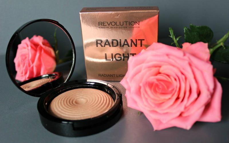 Make Up Revolution - Radiant Light Breathe