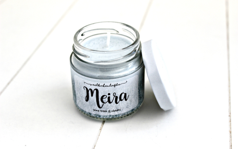 Meira candle