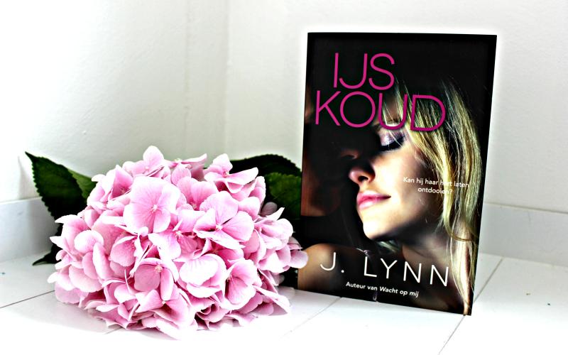 IJskoud - J. Lynn