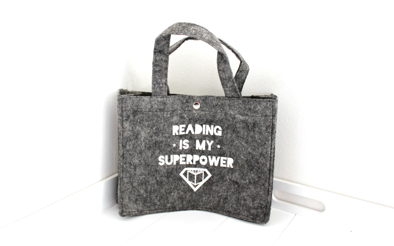 Reading is my superpower mini vilten boekentasje