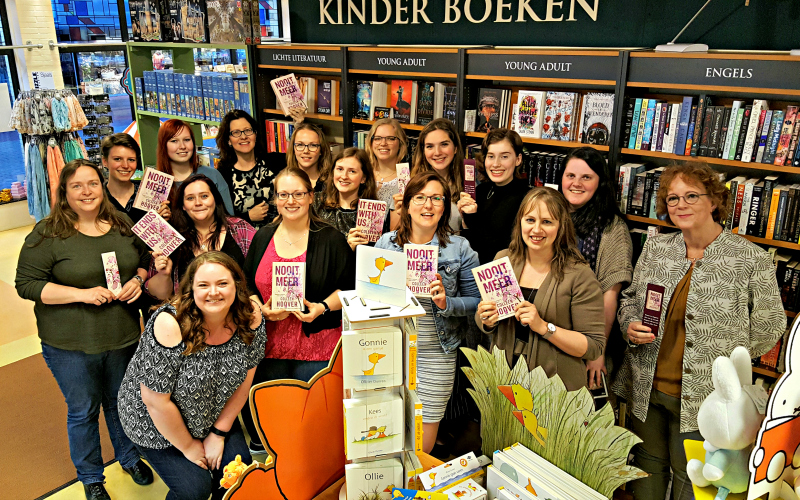 The Awesome Book Club 1 jaar leest Nooit Meer
