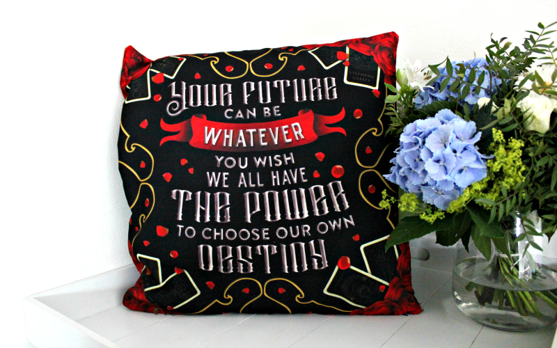 Exclusive Destiny Cushion Cover