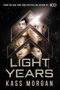 Boekrecensie | Light Years – Kass Morgan