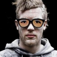 Rusko: Hold On (Feat Amber Coffman)