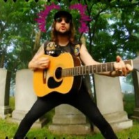 "Video: King Tuff ""Sun Medallion"""