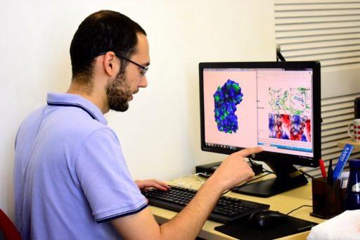Nanopartículas provovam suicídio de células cancerosas