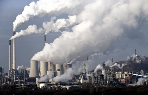 Air pollution results in increased incidences of acid rain. Image credit airbetter.org