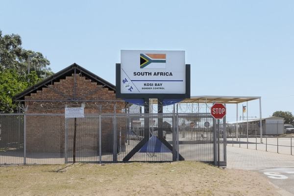 South African border post. Image credit drivesouthafrica.co.za