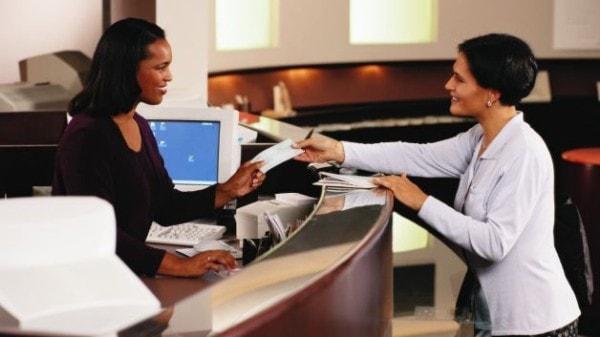 Types of bank accounts. Image credit bet.com