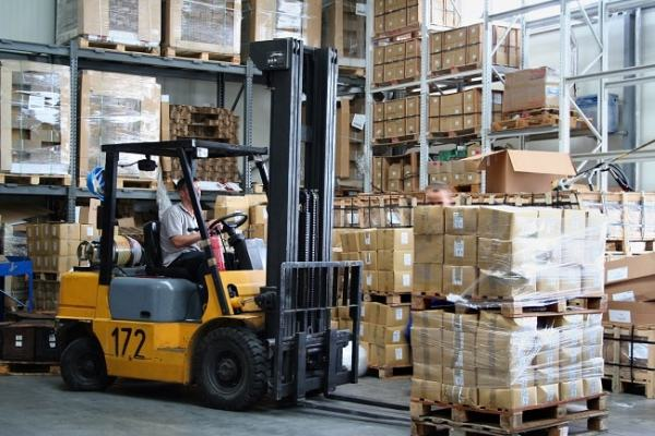 Larger firms can save by buying in bulk. Image credit nfe-lifts.com