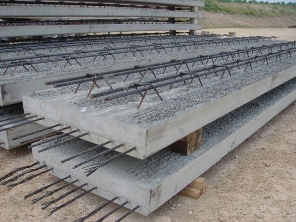 Reinforced concrete. Image credit surfcivil.blogspot.com