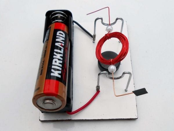 A simple motor. Image credit youtube.com
