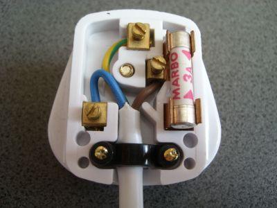 Three pin plug. Image credit physicsnet.co.uk