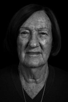 """Ángela Victoria Barili. Su hija, Adriana Leonor Tasca, fue secuestrada y desaparecida en diciembre de 1977, estando embarazada de 5 meses. En febrero de 2006, """"Angelita"""" se reencontró con Sebastian José Casado Tasca. Fue el nieto Recuperado Nº 82."""