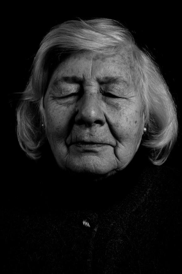 María Luisa Corlatti. Su hijo Roque Miguel Almirón fue desaparecido a los 21 años, el 31 de enero de 1977 en Capital Federal. En la actualidad, María Luisa es presidenta del Consejo Municipal del Menor del Partido de General Pueyrredon.
