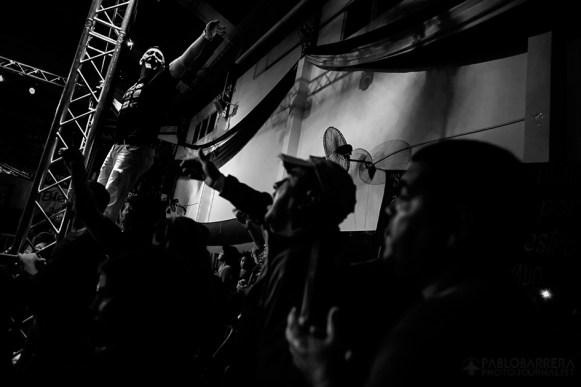 Hinchas del club 'Deportivo Camioneros' junto a fanáticos de Lazarte gritan su nombre como muestra de apoyo al boxeador, club 'Deportivo Camioneros' ubicado en Villa Devoto, Ciudad Autónoma de Bs. As., Argentina. El club 'Deportivo Camioneros', pertenece al 'Sindicato de Camioneros', organismo que nuclea a los empleados de trasporte y recolección de residuos de Argentina. Además este sindicato, es el único sponsor que apoya económicamente al boxeador. (©Pablo Barrera)