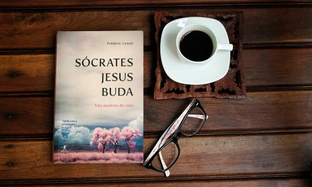 """Em """"Sócrates, Jesus, Buda - Três mestres de vida"""", de Frédéric Lenoir, vemos que os três grandes líderes são mais parecidos do que imaginávamos"""