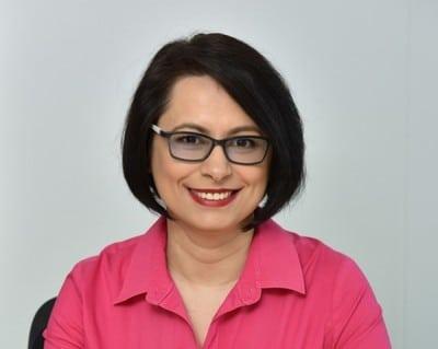 Mihaela Hoffman1
