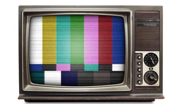 Não há um lar tão pobre que não tenha televisão; já o livro…