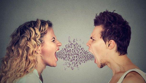 Para silenciar o ódio é preciso encarar a si mesmo. Somente os covardes odeiam