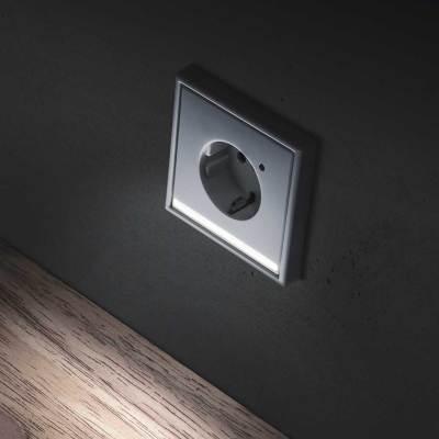 domotica-residencial-Jung-Luz-de-orientación-por-LED--LS-990