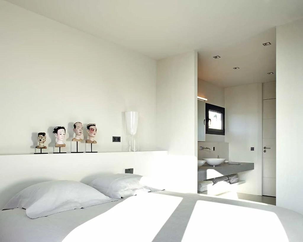 decorar-con-luz-mediterranea-dormitorio