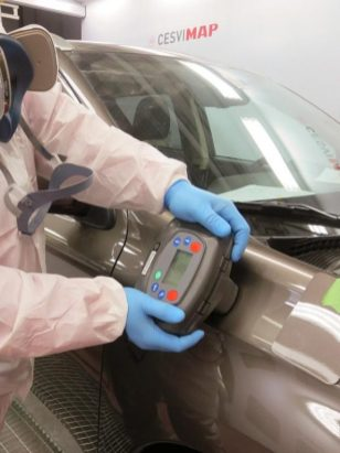 Lectura del color del vehículo con espectrofotómetro